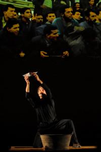"""Napoli, Italia, 31 luglio 2012. L'attore Antonello Cossia durante la Mise en espace di parole, musica, immagini """"Solo Andata"""" di Erri De Luca. La performance si è svolta nel castello all'interno dell'Orto Botanico di Napoli per la rassegna """"Brividi D'estate"""" organizzata dalla direzzione artistica del Pozzo e il Pendolo. Ph. Angela Grimaldi  Ag. Controluce.  Naples, ITALY -   actor Antonello Cossia performs during the piece """"Solo Andata"""" inside the castle of Royal Orto Botanico in Naples on July 31, 2012"""