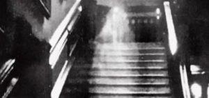 Brown-Lady-e-i-fantasmi-di-Raynham-Hall1-520x245[1]