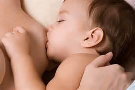 salute-e-bensessere-bimbo-che-si-allatta
