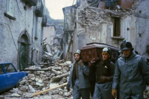 Rescuers with bodies and coffins of victims of the earthquake, Balvano, Italy, 23 November 1980. ANSA/OLDPIX